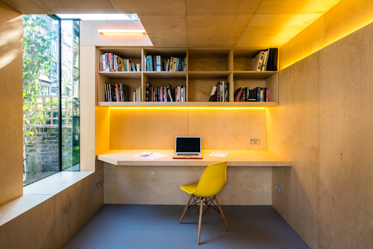 Shadow Shed Etude/bureau moderne par Neil Dusheiko Architects Modern
