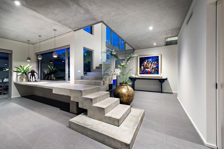Escaliers en béton Couloir, couloir et escaliers de style industriel par D-Max Photography Industrial