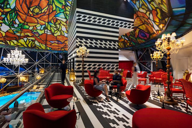 Rise - 4 / Mondrian Doha Hôtels de style éclectique par Sia Moore Archıtecture Interıor Desıgn Céramique éclectique