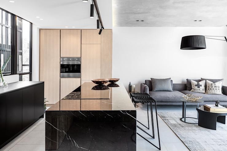 Cuisine minimaliste par les architectes de GSQUARED Minimaliste