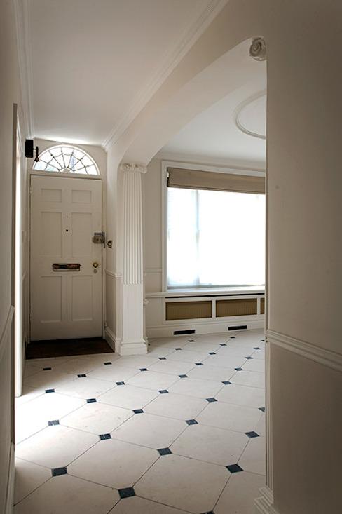 Entrée et hall Couloir, couloir et escaliers modernes par Prestige Architects Par Marco Braghiroli Modern