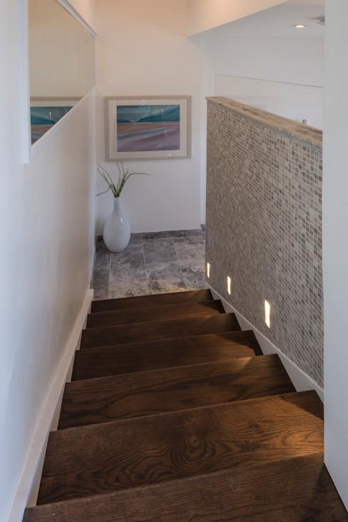 Bachelor Pad - Salle de bain de style Hyde Park Classic par Prestige Architects Par Marco Braghiroli Classic