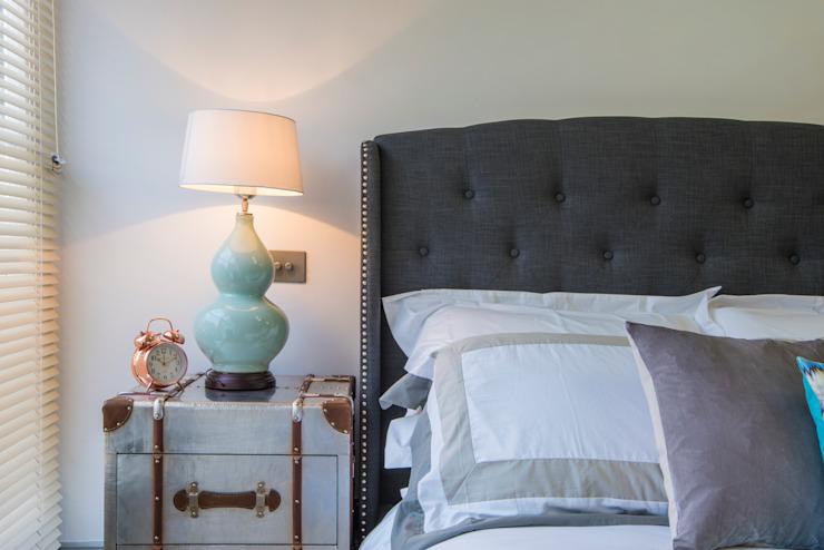 Bachelor Pad - Chambre à coucher de style classique Hyde Park par Prestige Architects Par Marco Braghiroli Classic