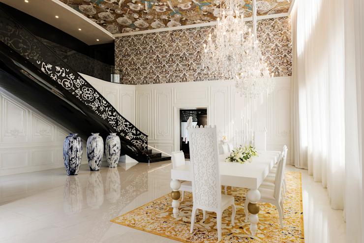 Sky House / Mondrian Doha Hôtels de style éclectique par Sia Moore Archıtecture Interıor Desıgn Fer/acier éclectique