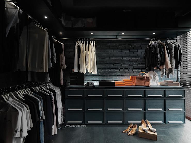 Cabine d'essayage minimaliste par le Taipei Base Design Center Minimalist