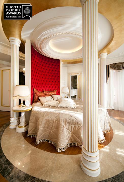 Master Bedroom - 2 / Bosphorus City Villa by Sia Moore Archıtecture Interıor Desıgn Effet bois classique