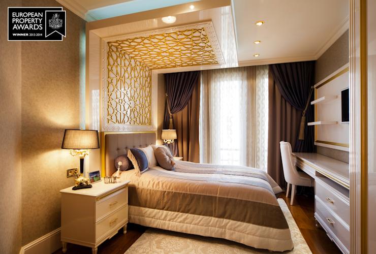 Guest Bedroom - 1 / Bosphorus City Villa by Sia Moore Archıtecture Interıor Desıgn Effet bois classique