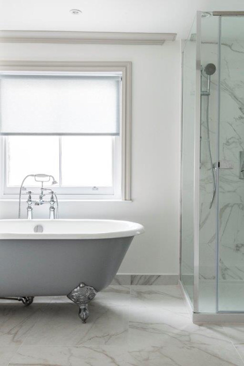 Knightsbridge Townhouse Salle de bain de style classique par Prestige Architects Par Marco Braghiroli Classic