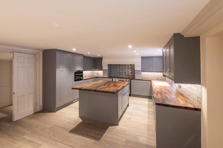 Knightsbridge Townhouse Cuisine de style classique par Prestige Architects Par Marco Braghiroli Classic