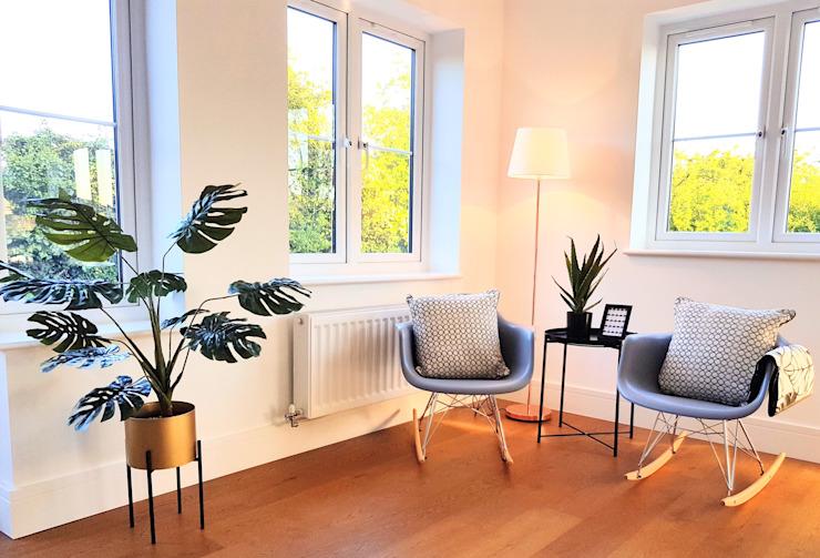 Monochrome botanique Show Home Salle à manger minimaliste par THE FRESH INTERIOR COMPANY Minimalist