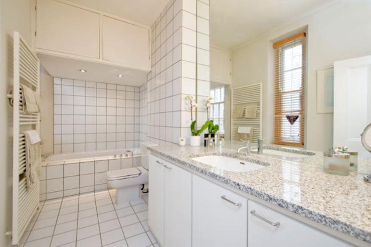 Salle de bains moderne par 4D Studio Architects and Interior Designers Modern