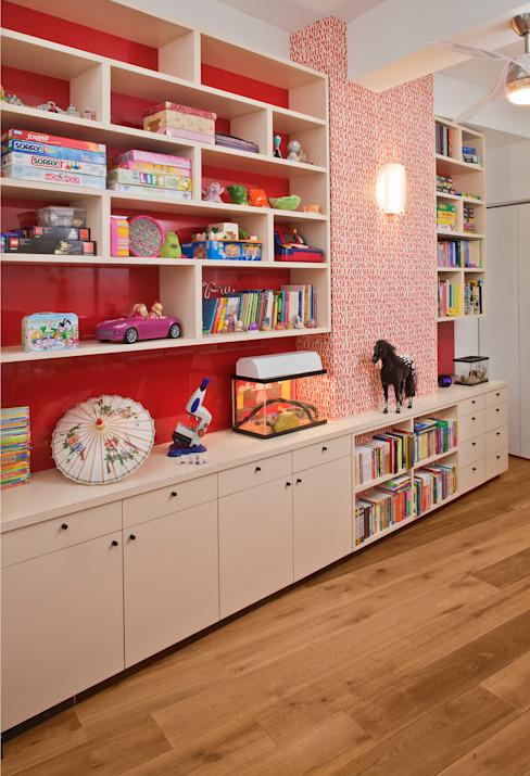 Chambre d'enfant moderne par Eisner Design Modern
