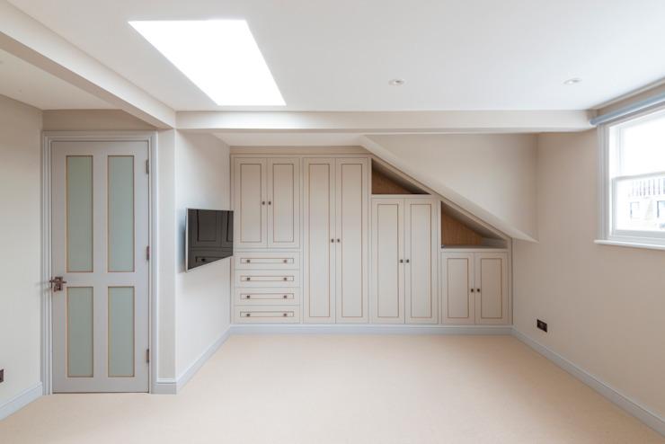 Chambre loft transformée Chambre de style classique par Prestige Architects Par Marco Braghiroli Classic
