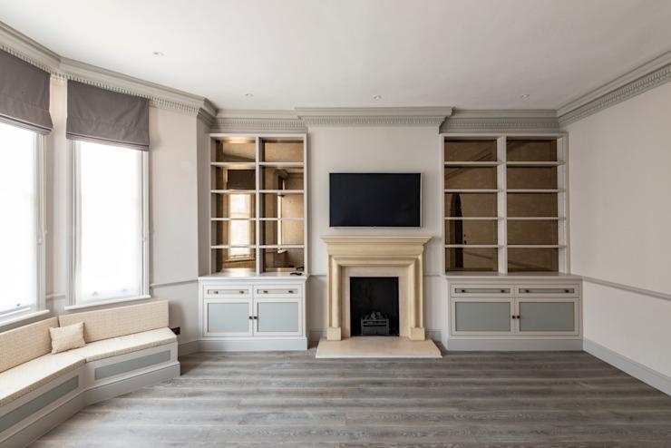 Duplex à trois étages - salon de style Chelsea Classic par Prestige Architects Par Marco Braghiroli Classic