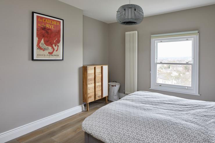 Rénovation d'une maison, chambre à coucher de style moderne Forest Hill par Resi Architects à London Modern