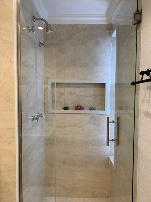classique de Di Castro Arquitetura , Classic Marble