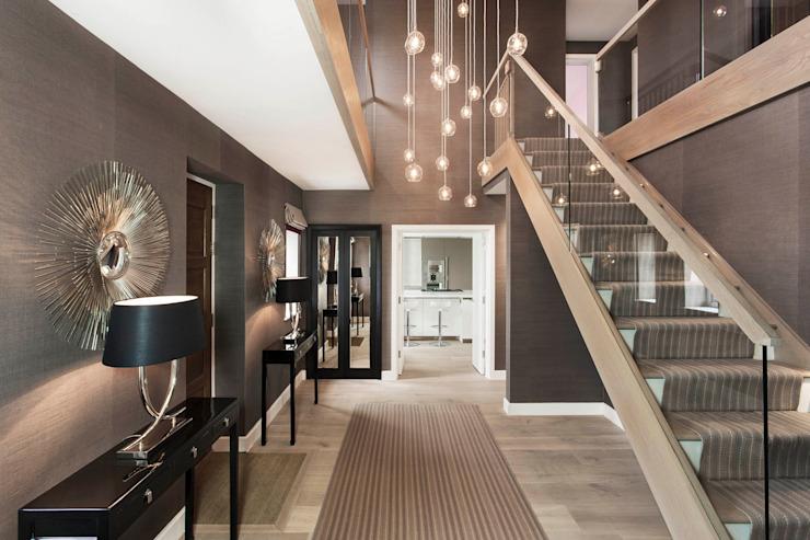 Hall d'entrée Couloir, couloir et escaliers modernes par Studio Hooton Modern