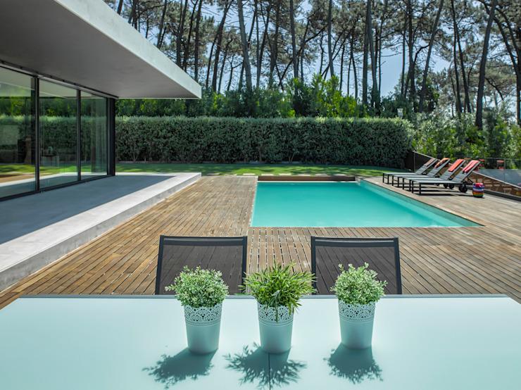 Espace piscine Piscine moderne par INAIN Interior Design Modern