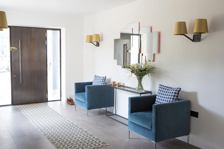 Résidence privée, Surrey Corridor, couloir et escaliers modernes de Nice Brew Interior Design Modern