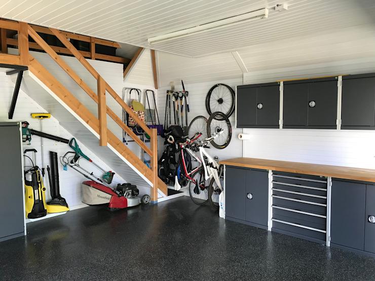 Garageflex Etude de cas d'un fantastique relooking de garage dans le Hertfordshire Garage/remise moderne par Garageflex Modern