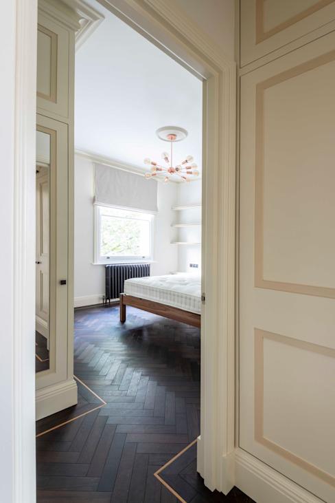 La chambre à coucher Chambre à coucher de style classique par Prestige Architects Par Marco Braghiroli Classic
