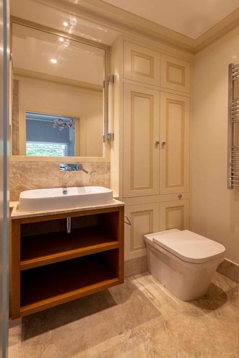 La salle de bains La salle de bains moderne par Prestige Architects Par Marco Braghiroli Modern