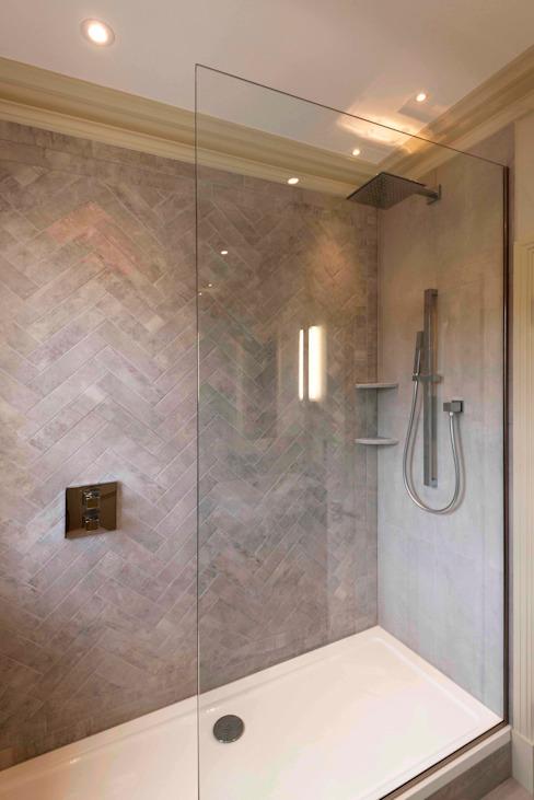 Salle de bains n° 2 Salle de bains moderne par Prestige Architects Par Marco Braghiroli Modern