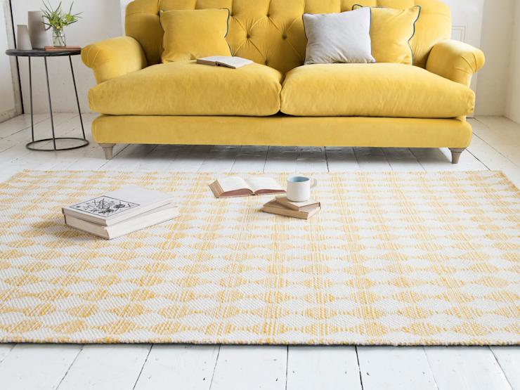Tapis ondulé en jaune : moderne par Loaf, Moderne