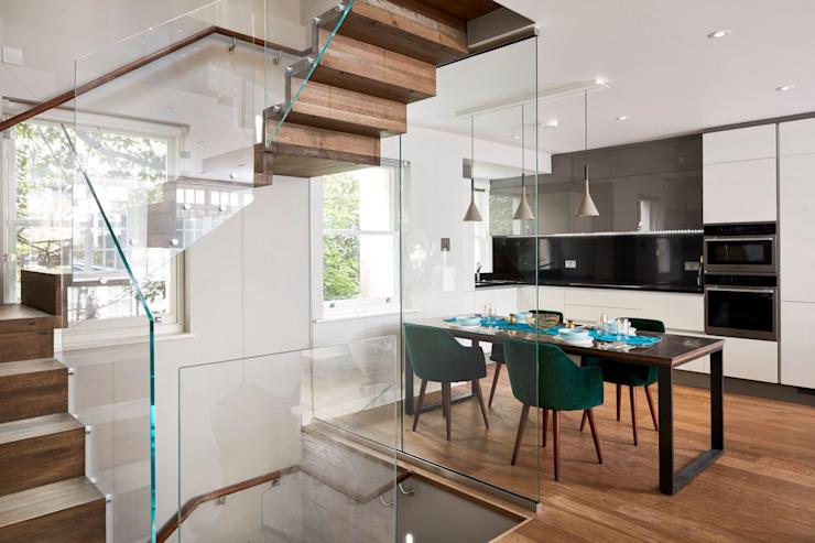 Rénovation de luxe Belgravia Salle à manger moderne par l'urbaniste Architecture moderne Marbre