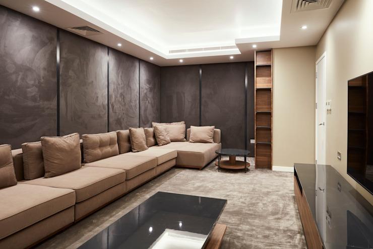 Salle de cinéma spacieuse par Urbanist Architecture Modern Marble