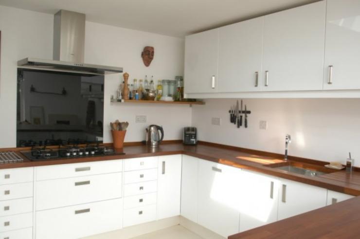 Cuisine Cuisine moderne par 4D Studio Architects and Interior Designers Modern
