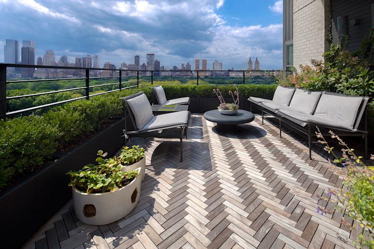 Upper East Side Apartment Balcon, véranda et terrasse modernes par andretchelistcheffitarchitects Modern