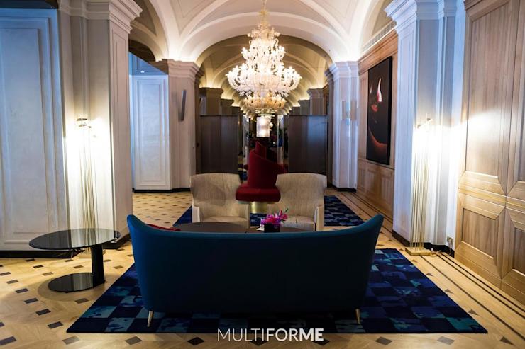 Salle d'attente avec lustre Hôtels Classic par MULTIFORME® lighting Classic