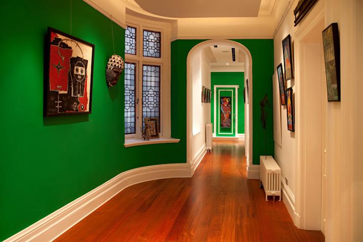 Couloir, couloir et escaliers modernes par homify Modern