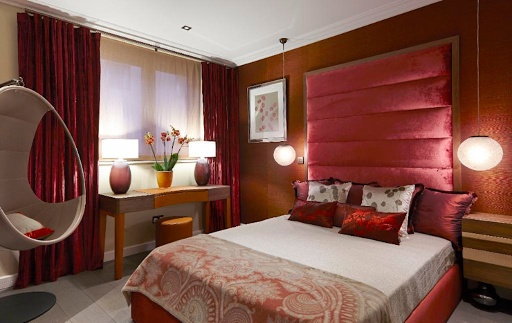 1ère chambre Chambre à coucher de style classique par Keir Townsend Ltd. Classique