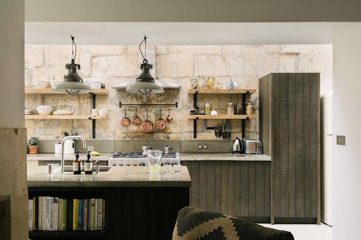 La cuisine de Bath Larkhall Cuisine de style industriel par deVOL Kitchens Industrial