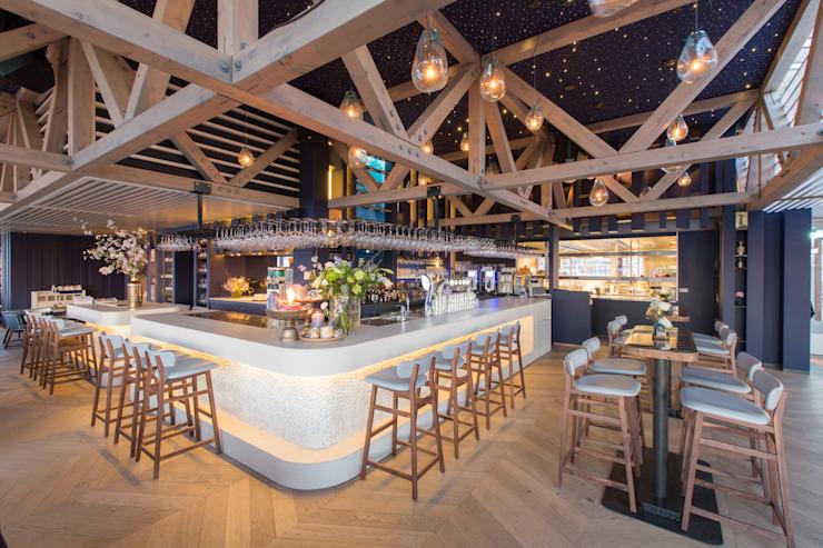 Waterreus OXI - Pays-Bas Salle à manger de style classique par MULTIFORME® lighting Classic