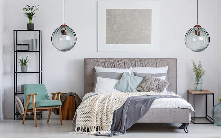 Plafonnier simple Suspension ARA en cuivre satiné avec abat-jour en verre strié Chambre de style moderne par Luxury Chandelier Verre moderne