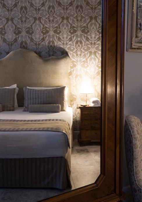 Design d'intérieur - Chambres d'hôtels classiques par ARTE DELL' ABITARE Classic