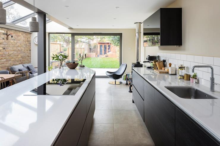 Cuisine minimaliste de Resi Architects à Londres Minimaliste
