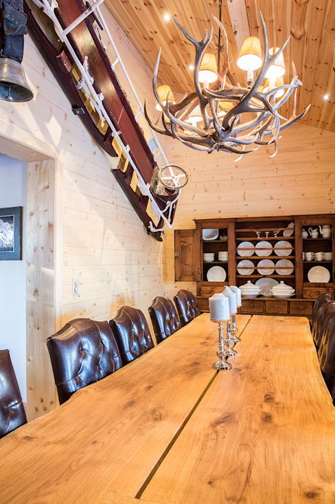 Salle à manger Salle à manger de style rustique par Prestige Architects Par Marco Braghiroli Rustique