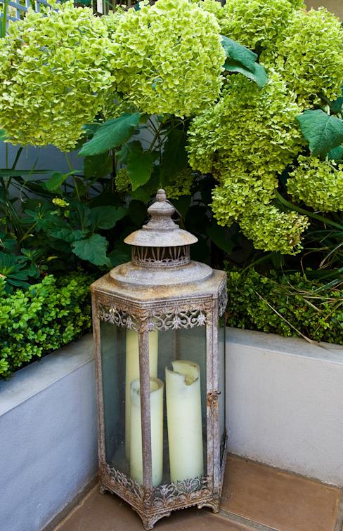 Éclairage de jardin Jardin de style classique par GreenlinesDesign Ltd Classic