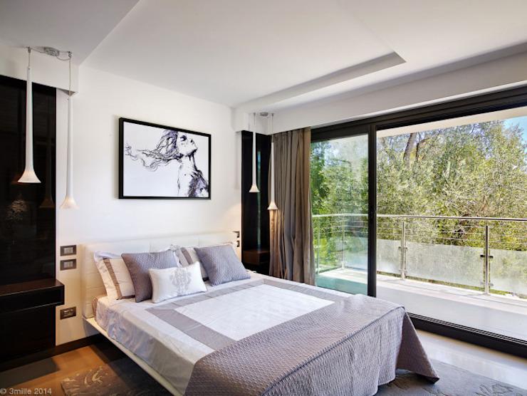 Villa Alexandra, CANNES Chambre de style moderne par SoFarSoNear Modern