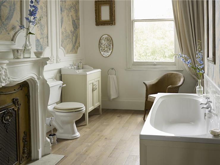 Suite Dorchester avec salle de bain équipée Salle de bain de style classique par Heritage Bathrooms Classic