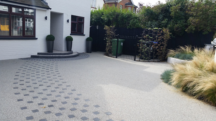Front Garden Design Woking, Surrey Jardin moderne par homify Modern