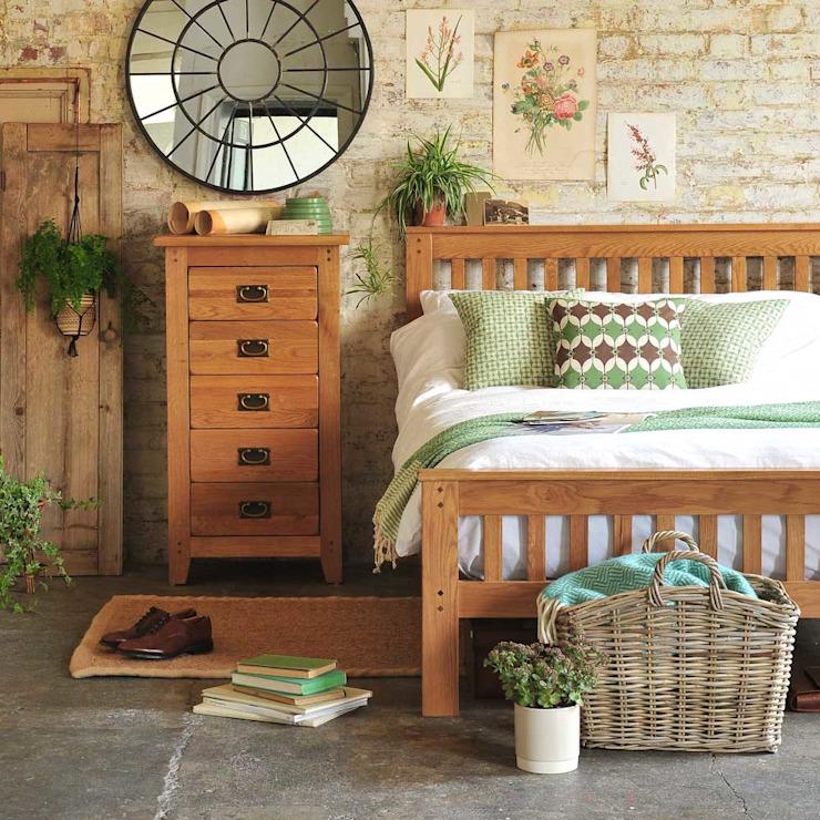 Oakland Bedroom Collection Chambre à coucher de style champêtre par The Cotswold Company Effet de bois champêtre