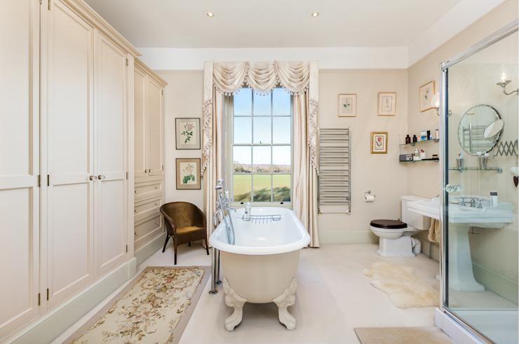Belle salle de bains classique Salle de bains de style classique par homify Classic
