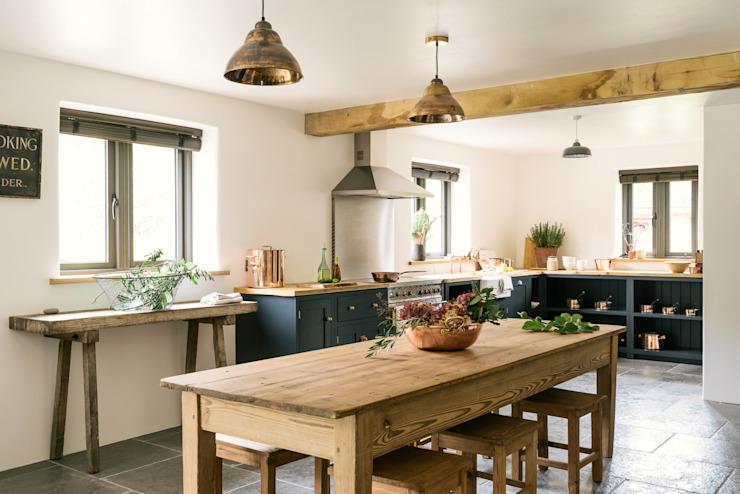 La cuisine du Leicestershire dans les bois par deVOL Cuisine de style country par deVOL Kitchens Country