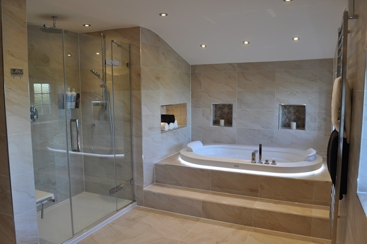 Bath & Shower View Salle de bain moderne par Daman of Witham Ltd Modern