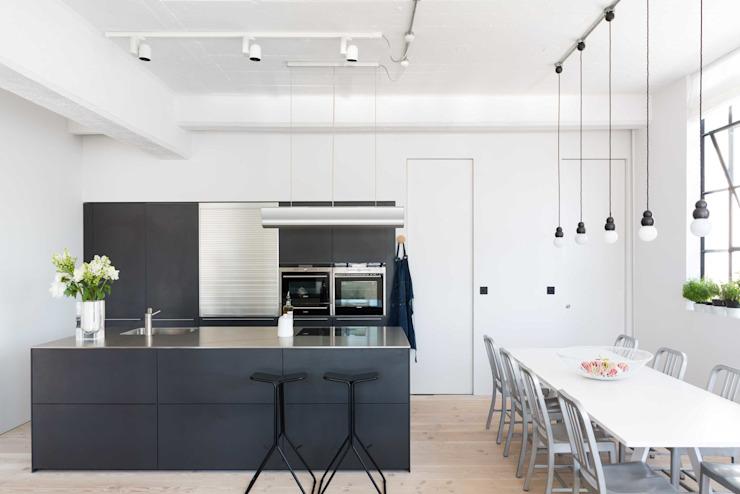 Loft Living Modern cuisine par Kitchen Architecture Modern